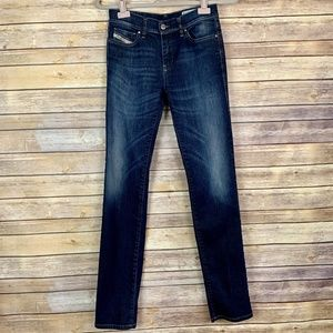 DIESEL Denim Women's Sz W 26 L 32 Straitzee Jeans